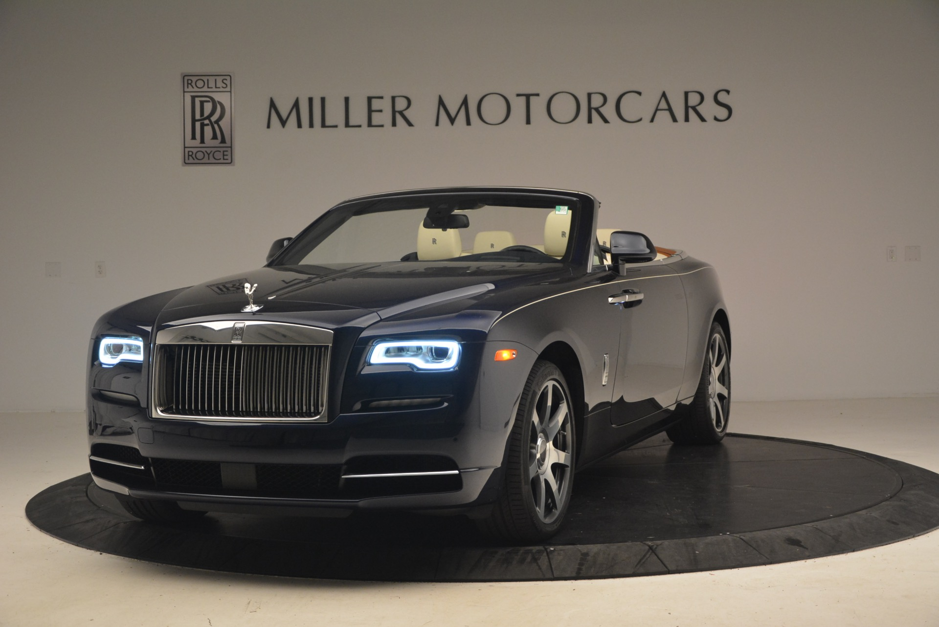 Used 2017 Rolls-Royce Dawn for sale $239,900 at Bentley Greenwich in Greenwich CT 06830 1