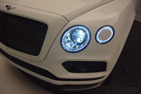 Used 2018 Bentley Bentayga Black Edition for sale Sold at Bentley Greenwich in Greenwich CT 06830 17