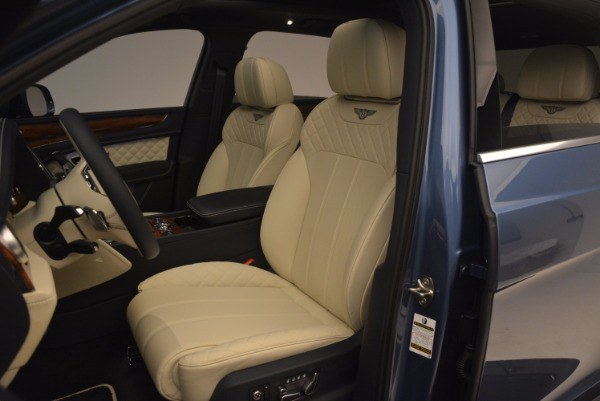 New 2018 Bentley Bentayga for sale Sold at Bentley Greenwich in Greenwich CT 06830 24