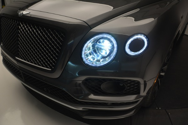 Used 2018 Bentley Bentayga W12 Signature for sale Sold at Bentley Greenwich in Greenwich CT 06830 16