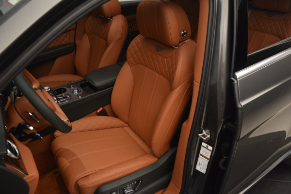 New 2018 Bentley Bentayga for sale Sold at Bentley Greenwich in Greenwich CT 06830 25