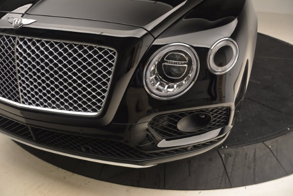 Used 2018 Bentley Bentayga Onyx Edition for sale $147,900 at Bentley Greenwich in Greenwich CT 06830 14