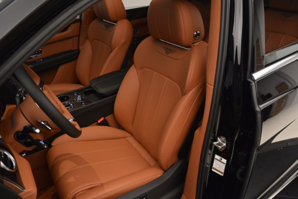 Used 2018 Bentley Bentayga Onyx for sale $149,900 at Bentley Greenwich in Greenwich CT 06830 23