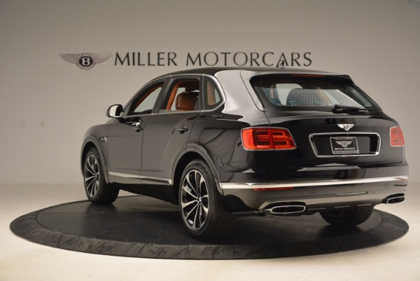 New 2018 Bentley Bentayga Onyx for sale Sold at Bentley Greenwich in Greenwich CT 06830 5