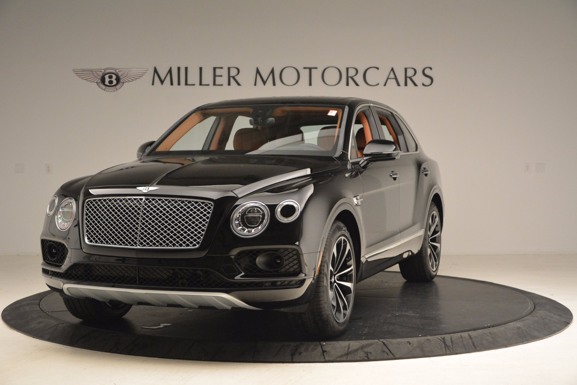 New 2018 Bentley Bentayga Onyx for sale Sold at Bentley Greenwich in Greenwich CT 06830 1