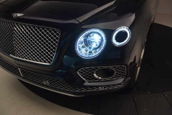 Used 2018 Bentley Bentayga W12 Signature for sale Sold at Bentley Greenwich in Greenwich CT 06830 19