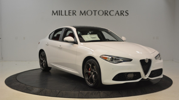 New 2017 Alfa Romeo Giulia Ti Sport Q4 for sale Sold at Bentley Greenwich in Greenwich CT 06830 11