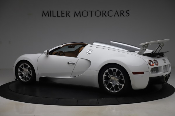 Used 2011 Bugatti Veyron 16.4 Grand Sport for sale Call for price at Bentley Greenwich in Greenwich CT 06830 4