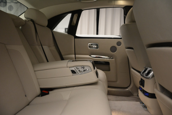 Used 2010 Rolls-Royce Ghost for sale Sold at Bentley Greenwich in Greenwich CT 06830 25