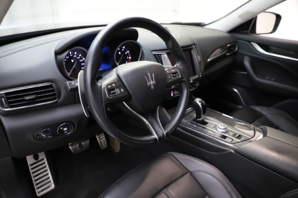 Used 2018 Maserati Levante SQ4 GranSport for sale $55,900 at Bentley Greenwich in Greenwich CT 06830 13