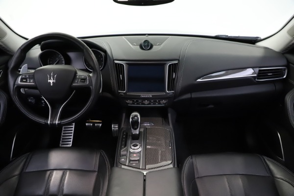 Used 2018 Maserati Levante SQ4 GranSport for sale $55,900 at Bentley Greenwich in Greenwich CT 06830 16