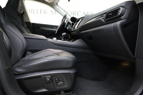 Used 2018 Maserati Levante SQ4 GranSport for sale $55,900 at Bentley Greenwich in Greenwich CT 06830 23
