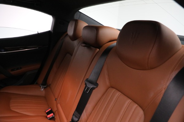 Used 2018 Maserati Ghibli S Q4 GranLusso for sale $56,900 at Bentley Greenwich in Greenwich CT 06830 17