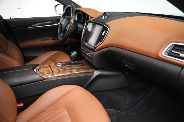 Used 2018 Maserati Ghibli S Q4 GranLusso for sale $56,900 at Bentley Greenwich in Greenwich CT 06830 20