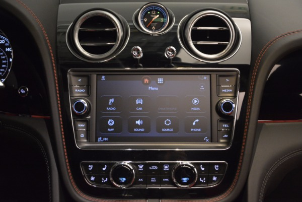 New 2018 Bentley Bentayga Onyx for sale Sold at Bentley Greenwich in Greenwich CT 06830 28