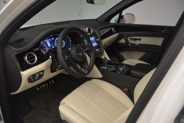 Used 2018 Bentley Bentayga Onyx for sale Sold at Bentley Greenwich in Greenwich CT 06830 16