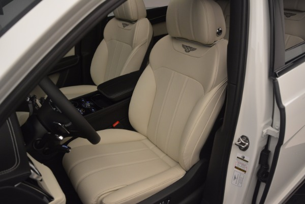 Used 2018 Bentley Bentayga Onyx for sale Sold at Bentley Greenwich in Greenwich CT 06830 18
