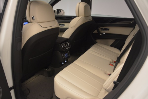 Used 2018 Bentley Bentayga Onyx for sale Sold at Bentley Greenwich in Greenwich CT 06830 20
