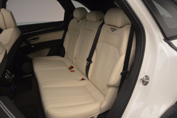 Used 2018 Bentley Bentayga Onyx for sale Sold at Bentley Greenwich in Greenwich CT 06830 21
