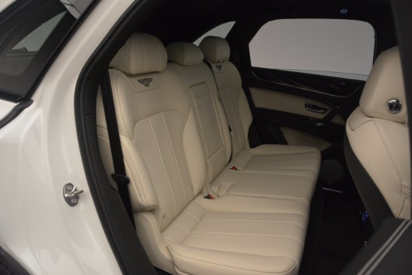 Used 2018 Bentley Bentayga Onyx for sale Sold at Bentley Greenwich in Greenwich CT 06830 26