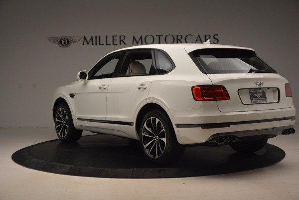 Used 2018 Bentley Bentayga Onyx for sale Sold at Bentley Greenwich in Greenwich CT 06830 5