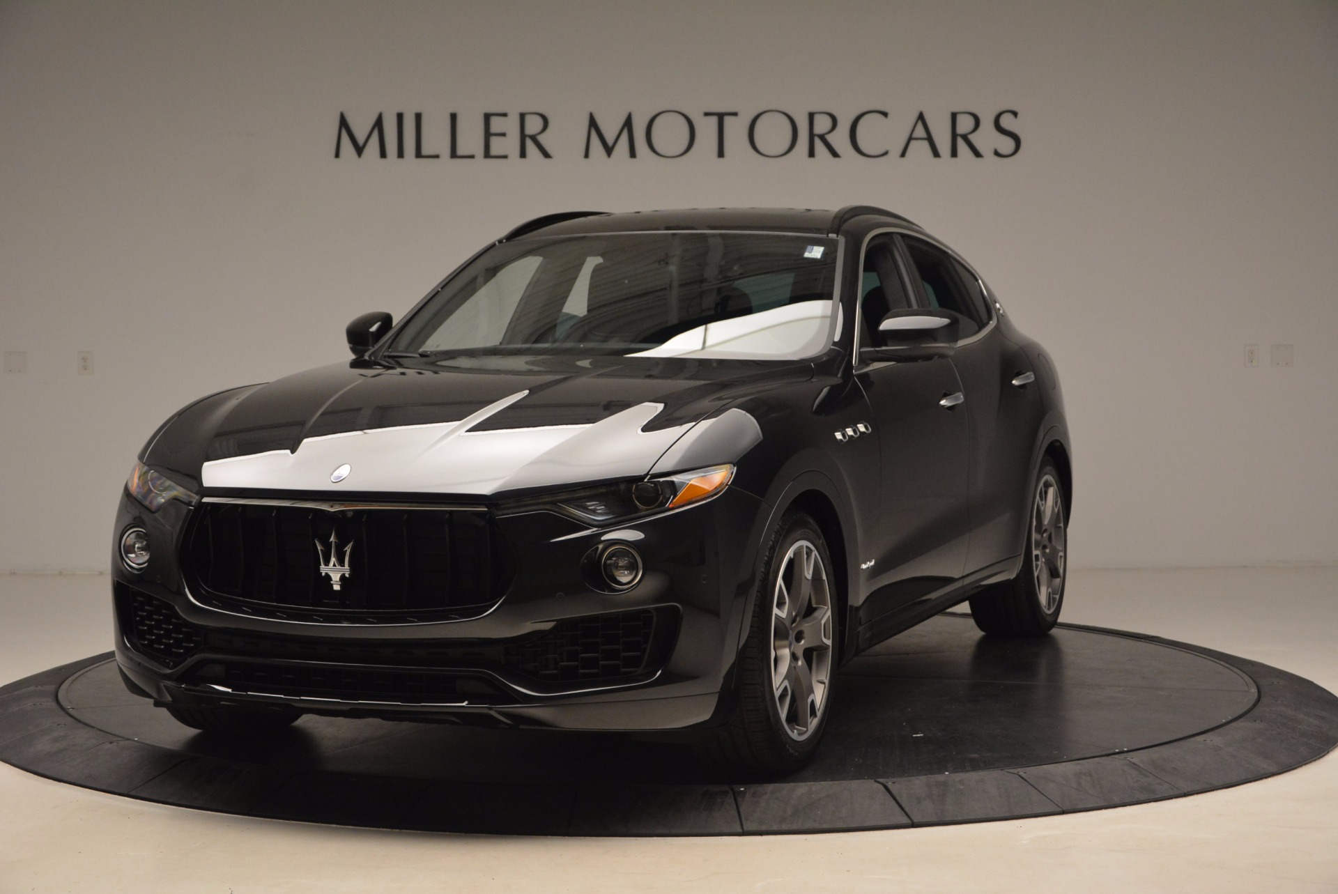 New 2018 Maserati Levante S Q4 GRANSPORT for sale Sold at Bentley Greenwich in Greenwich CT 06830 1