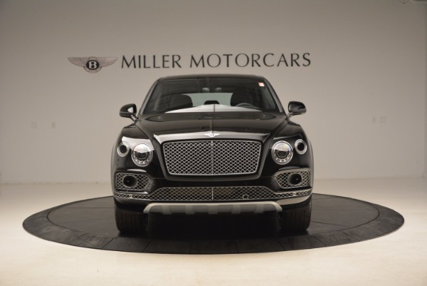 Used 2018 Bentley Bentayga Onyx for sale $145,900 at Bentley Greenwich in Greenwich CT 06830 14