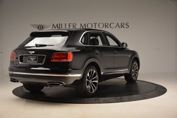 Used 2018 Bentley Bentayga Onyx for sale $145,900 at Bentley Greenwich in Greenwich CT 06830 9