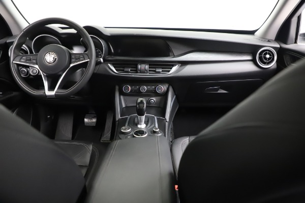 Used 2018 Alfa Romeo Stelvio Q4 for sale Sold at Bentley Greenwich in Greenwich CT 06830 17
