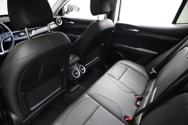 Used 2018 Alfa Romeo Stelvio Q4 for sale Sold at Bentley Greenwich in Greenwich CT 06830 20