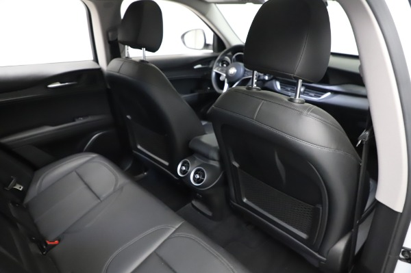 Used 2018 Alfa Romeo Stelvio Q4 for sale Sold at Bentley Greenwich in Greenwich CT 06830 26