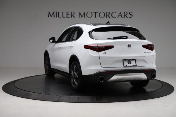 Used 2018 Alfa Romeo Stelvio Q4 for sale Sold at Bentley Greenwich in Greenwich CT 06830 6