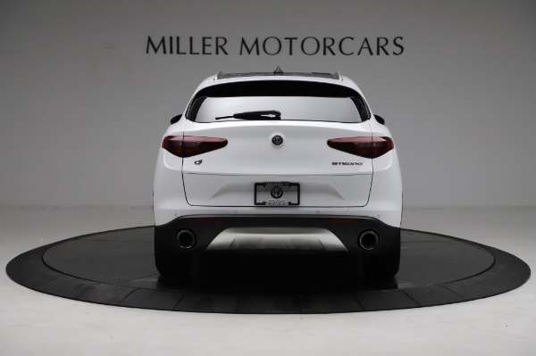 Used 2018 Alfa Romeo Stelvio Q4 for sale Sold at Bentley Greenwich in Greenwich CT 06830 7
