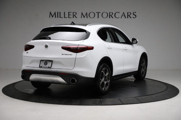 Used 2018 Alfa Romeo Stelvio Q4 for sale Sold at Bentley Greenwich in Greenwich CT 06830 8