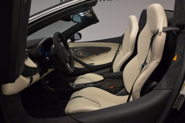 New 2018 McLaren 570S Spider for sale Sold at Bentley Greenwich in Greenwich CT 06830 26