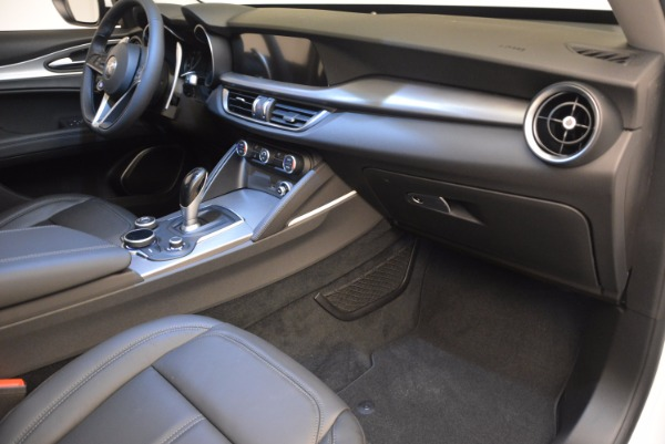 New 2018 Alfa Romeo Stelvio Sport Q4 for sale Sold at Bentley Greenwich in Greenwich CT 06830 19