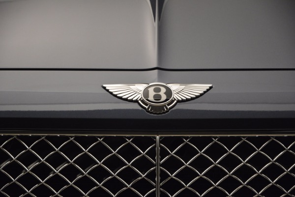 Used 2018 Bentley Bentayga Onyx for sale Sold at Bentley Greenwich in Greenwich CT 06830 14