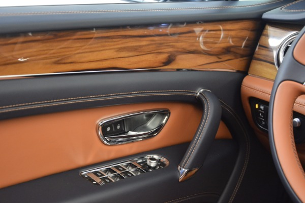 Used 2018 Bentley Bentayga Onyx for sale Sold at Bentley Greenwich in Greenwich CT 06830 23