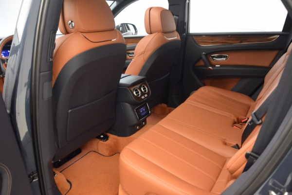 Used 2018 Bentley Bentayga Onyx for sale Sold at Bentley Greenwich in Greenwich CT 06830 24