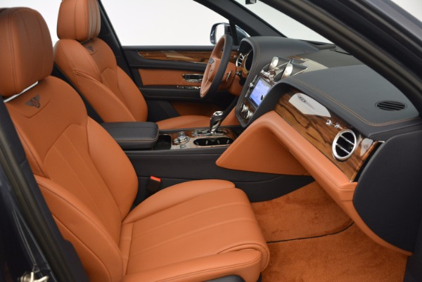 Used 2018 Bentley Bentayga Onyx for sale Sold at Bentley Greenwich in Greenwich CT 06830 28