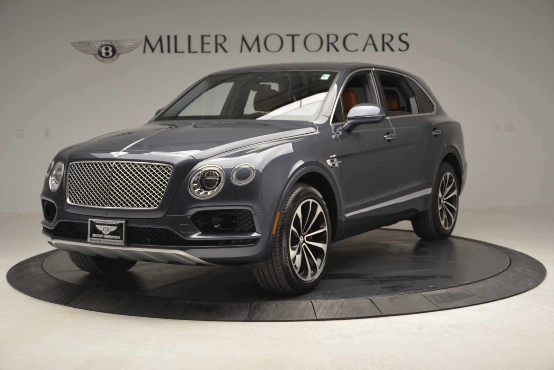 Used 2018 Bentley Bentayga Onyx for sale Sold at Bentley Greenwich in Greenwich CT 06830 1
