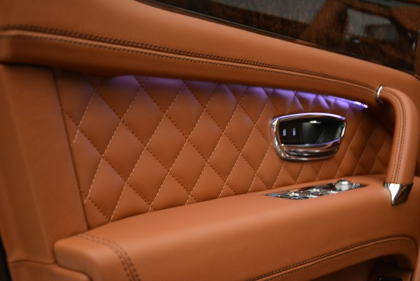 New 2018 Bentley Bentayga Signature for sale Sold at Bentley Greenwich in Greenwich CT 06830 18