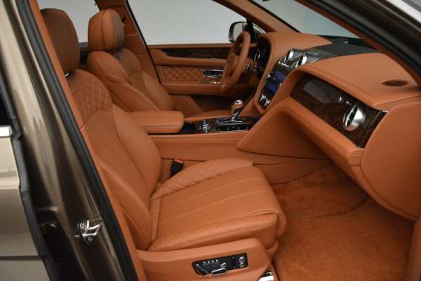 New 2018 Bentley Bentayga Signature for sale Sold at Bentley Greenwich in Greenwich CT 06830 28