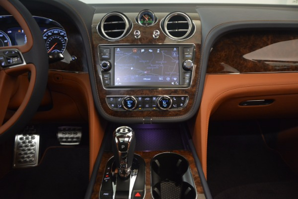 Used 2018 Bentley Bentayga W12 Signature for sale Call for price at Bentley Greenwich in Greenwich CT 06830 27