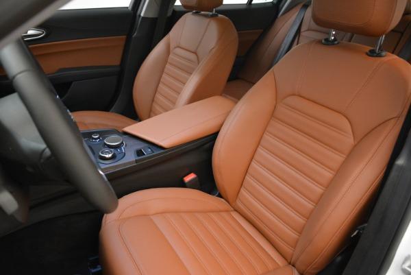 New 2018 Alfa Romeo Giulia Ti Lusso Q4 for sale Sold at Bentley Greenwich in Greenwich CT 06830 15