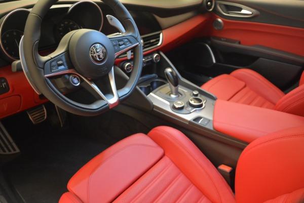 New 2018 Alfa Romeo Giulia Sport Q4 for sale Sold at Bentley Greenwich in Greenwich CT 06830 16