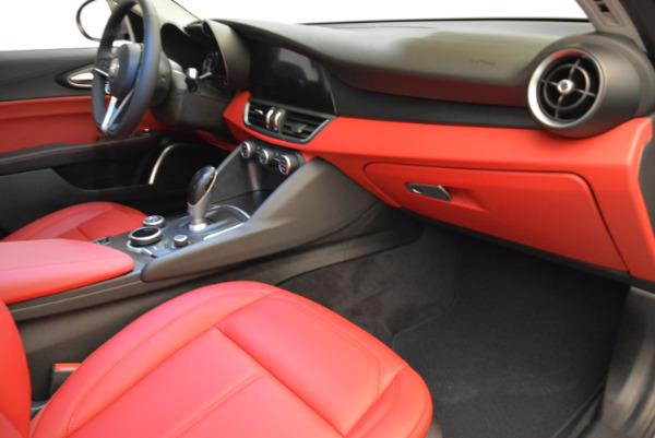 New 2018 Alfa Romeo Giulia Q4 for sale Sold at Bentley Greenwich in Greenwich CT 06830 19