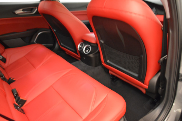 New 2018 Alfa Romeo Giulia Q4 for sale Sold at Bentley Greenwich in Greenwich CT 06830 22
