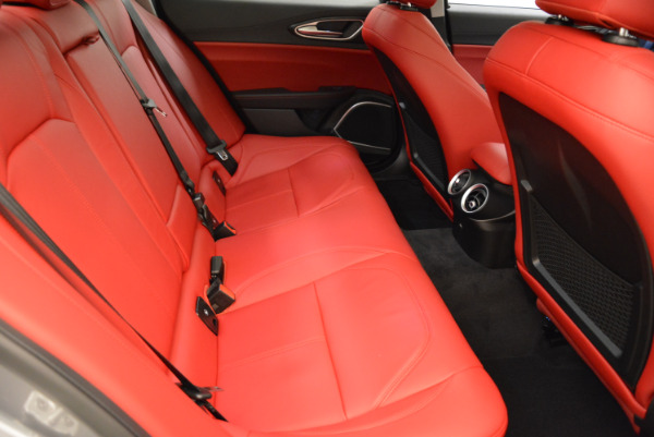New 2018 Alfa Romeo Giulia Q4 for sale Sold at Bentley Greenwich in Greenwich CT 06830 23
