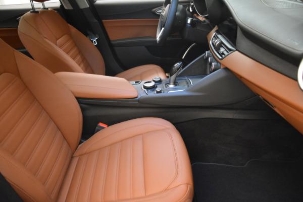 New 2018 Alfa Romeo Giulia Ti Lusso Q4 for sale Sold at Bentley Greenwich in Greenwich CT 06830 20
